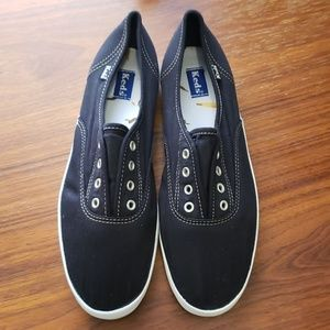 Keds slip on laceless Chillax style black size 7